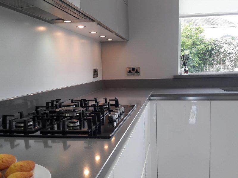 glass-kitchen-hob-interiors