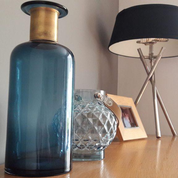 interior-accessories-lamp-vase